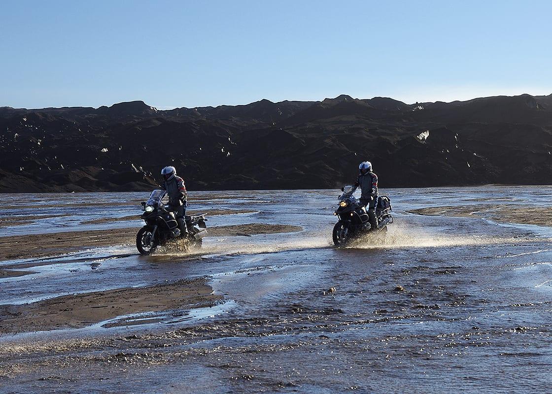 Op de BMW type GS dwars door het binnenland van IJsland, een motorreis van seven Summits Motorreizen