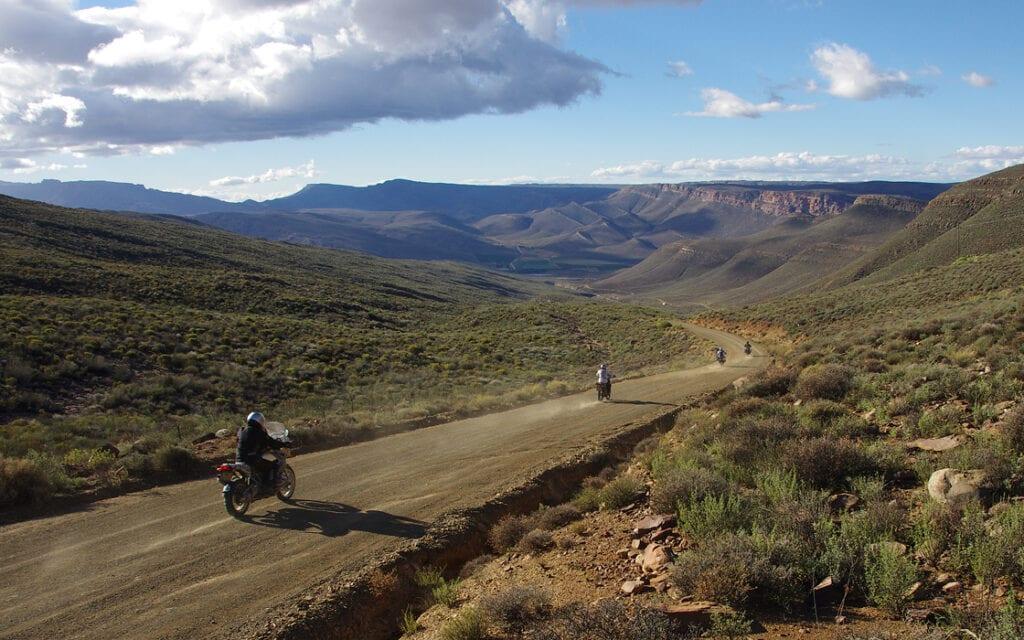 Fotoboek motorreis avontuurlijk Afrika donwhill in het vedergebergte van Zuid-Afrika